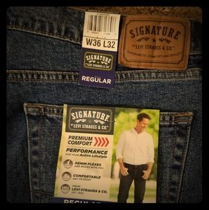 New with tag signature Levi's